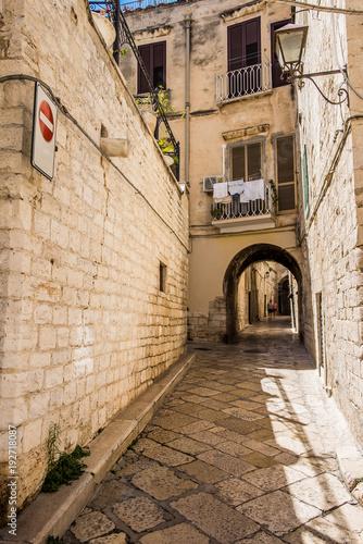 Fototapeta An alley of Trani, Puglia, Italy