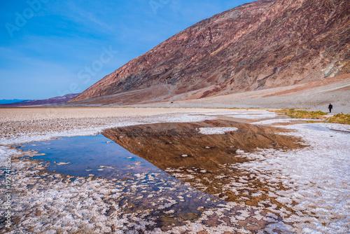 Tuinposter Diepbruine Bad water in Death Valley