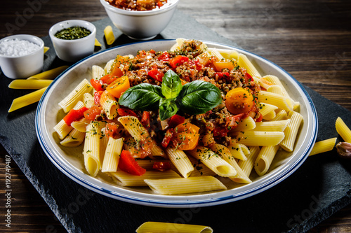 Pasta with meat, tomato sauce and vegetables - 192749487