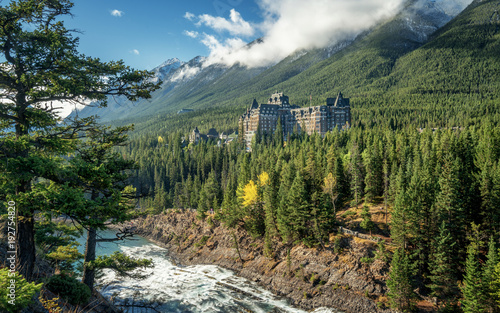 Foto op Canvas Khaki Autumn at the Fairmont Banff Springs Hotel with the Bow River