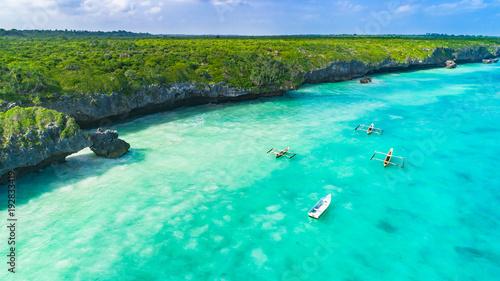 In de dag Zanzibar Aerial. Seascape, Zanzibar, Tanzania.