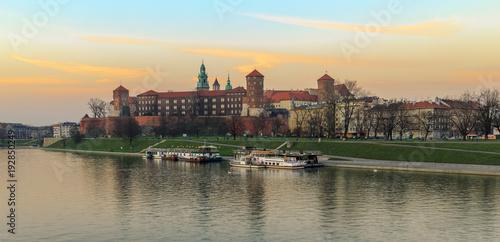 Staande foto Krakau Wawel in Krakau bei Sonnenuntergang