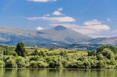 Fotobehang Pistache Bovan lake in Serbia