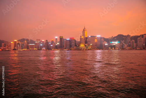 Aluminium Koraal Hong Kong Cityscape at Sunset