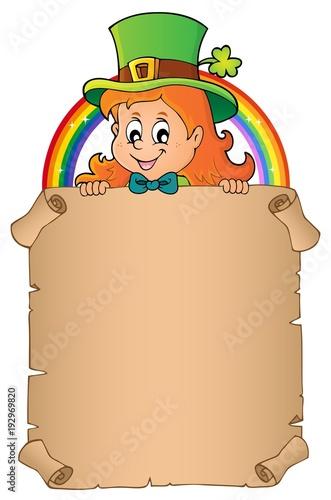 Aluminium Voor kinderen Leprechaun girl holding parchment 3