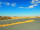 サイクリング道路のある江戸川土手風景 - 192971653