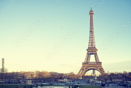 Landscape of the Eiffel Tower of Paris in a sunset - 192976038
