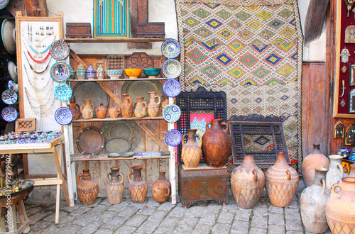 Papiers peints Maroc Traditional moroccan souvenirs on souk in Fes, Morocco, Africa