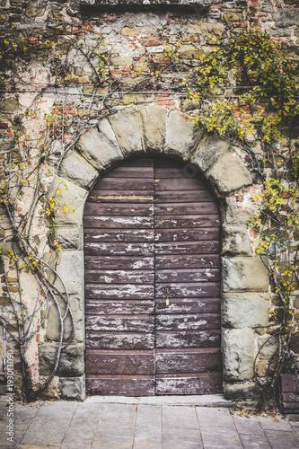 Papiers peints Toscane Medieval Door