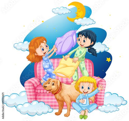 Papiers peints Jeunes enfants Three girls and dog on sofa