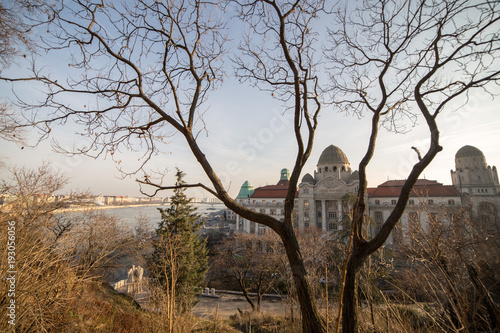 Foto op Plexiglas Boedapest Wide angle view from Budapest Gellert hill in sunshine at winter.