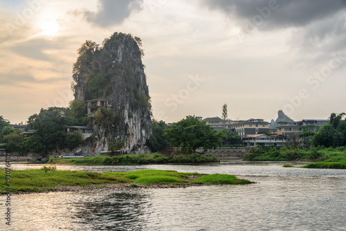 Fotobehang Guilin Scenic view of the Fubo Hill (Wave Subduing Hill), Guilin