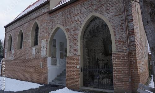Dingolfing an der Isar Bayern Niederbayern - Kirche Altstadt im Winter mit Schnee