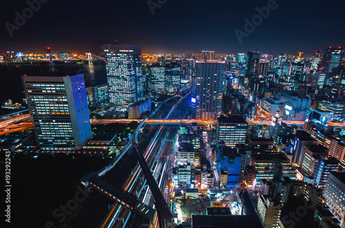 Fotobehang Tokio Aerial view of the cityscape of Minato, Tokyo, Japan at night