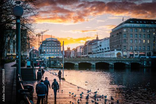 Hamburg Alster wunderschöner Sonnenuntergang Tableau sur Toile