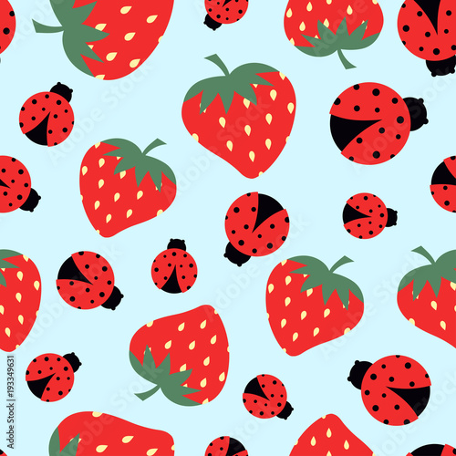 pattern with strawberry and ladybug - 193349631