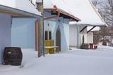 Sebechleby - Osada starych piwnic winnych ze środkowej Słowacji (Stara Hora) w zimie.