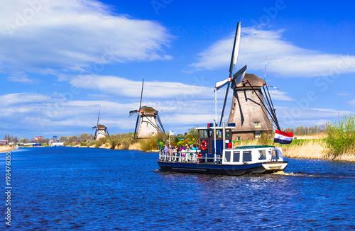 Plexiglas Freesurf Travel in Netherlands . Traditional Holland - Windmills in Kinderdijk