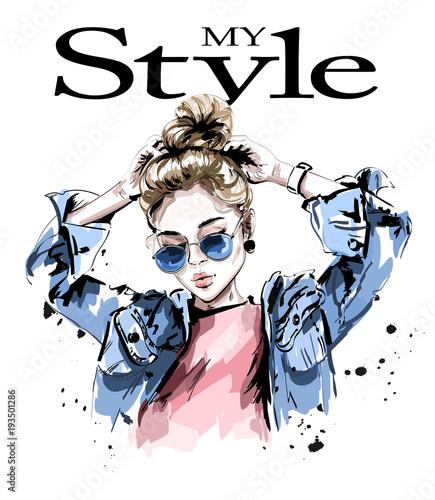 Fototapeta samoprzylepna Fashion woman in jeans jacket. Stylish beautiful young woman in sunglasses. Sketch.