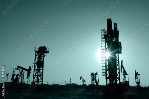 Fotobehang Koraalriffen oilfield derrick