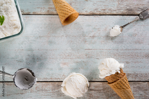 Foto op Aluminium Bol Vanilla ice cream wafer cone