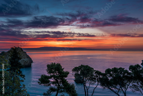 Papiers peints Morning Glory Colorful sunrise over the Mediterranean sea