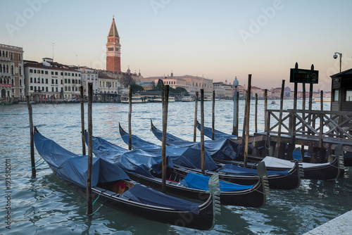 Foto op Aluminium Venetie .Venice, view of the grand canal with gondola