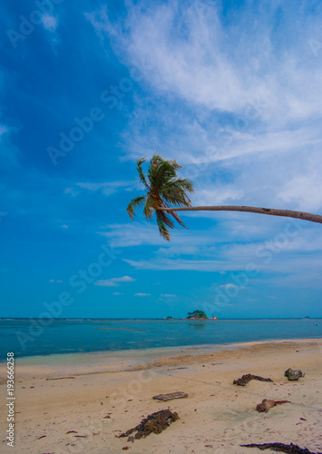 Deurstickers Tropical strand wonderful indonesia, location bintan island