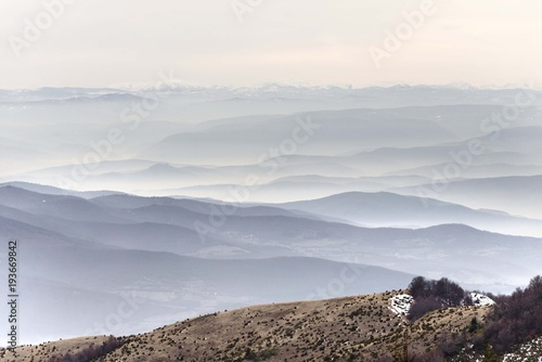 Aluminium Wit foggy mountain landscape