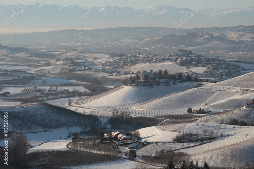 Aluminium Bleke violet Langhe's hills in winter