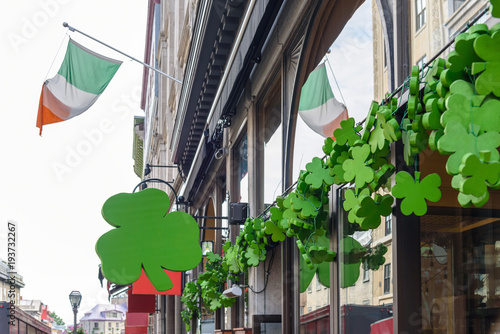 Staande foto Canada exterior of irish pub decorated with shamrocks for St Patricks Day