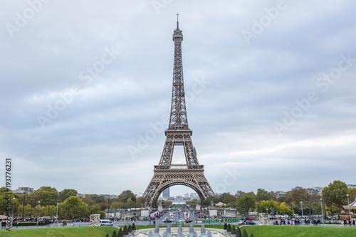 Poster Parijs Eiffel tower in Paris - France.