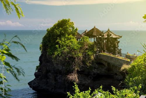 Deurstickers Tropical strand Tanah lot temple and gardens, Bali island