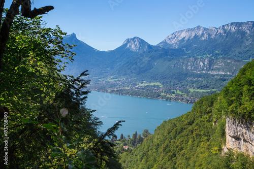 Fotobehang Blauwe hemel Lac d'Annecy