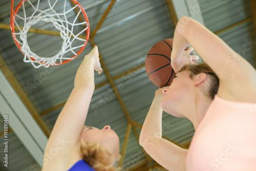Fotobehang Basketbal one on one basketball
