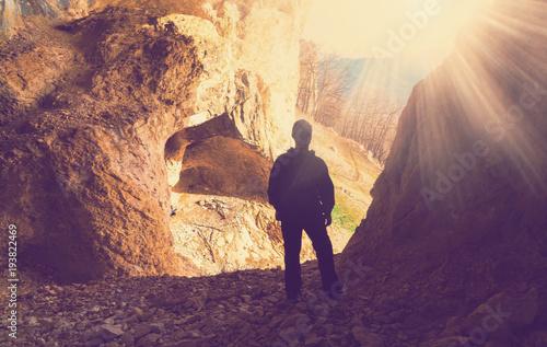 Fotobehang Aubergine man mainsails and caves