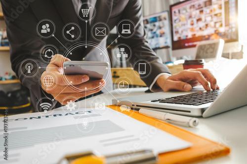 400_F_193923258_JXeLqfOM90RimrlUpmBSxgk52pIlndQx close up of hand using tablet ,laptop, and holding smartphone online