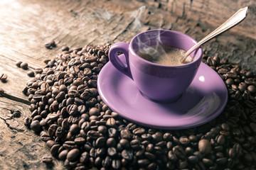tazzina di caffè bollente