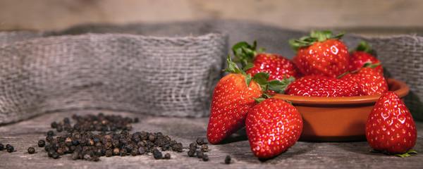 Pfeffer und Erdbeeren, Trend swavory, würzig und süß © M.Dörr & M.Frommherz