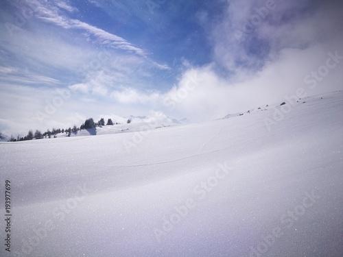 Schnee und Wetterstimmung in den Bergen