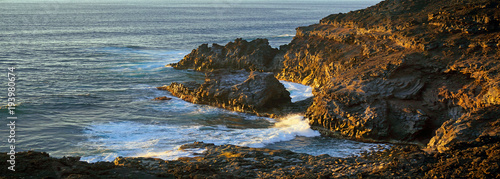 Fotobehang Canarische Eilanden Waves braking against Lava rocks, La Palma