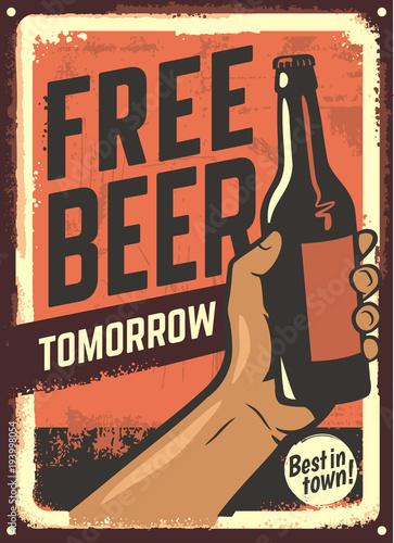 Staande foto Wanddecoratie met eigen foto male hand holding beer bottle.
