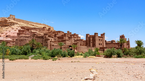 Papiers peints Maroc Ait Ben Haddou or Ait Benhaddou is a fortified city along the former caravan route between the Sahara and Marrakech city in Morocco