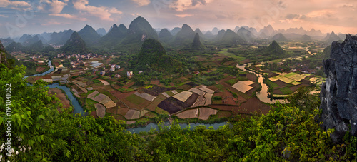 Tuinposter Guilin Landscape of Guilin, Li River ,Karst mountains near Yangshuo County, Guilin City, Guangxi Province, China.