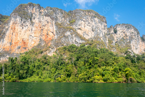 Aluminium Bangkok The national park Khao Sok with the Cheow Lan Lake is the largest area of virgin forest in the south of Thailand. Limestone rocks and jungle and karst formations determine the picture of the Park