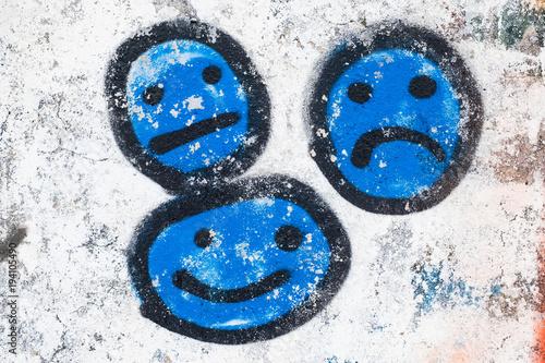 Plexiglas Graffiti Smiley tag graffiti mur matière texture humeur symbole