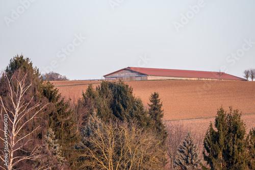 Fotobehang Zalm Landwirtschaftliches Gebäude