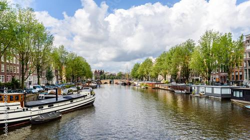 Poster Amsterdam Gracht in der Innenstadt von Amsterdam