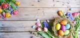 Fototapety Ostern - Hintergrund Panorama - Nest mit Eiern auf Holz - Vintage