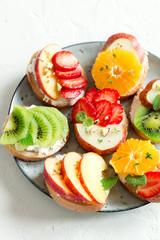 Fruit sandwiches with ricotta cheese © mizina